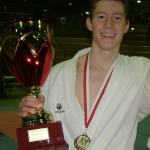 Eros Bilgerig mit SM-Gold-Pokal