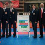 Roland Zolliker mit WKF/EKF Schiedsrichtern