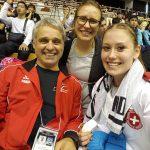 Fabienne Künzli am K1 Turnier in Okinawa mit Nationaltrainer Franco Pisino und Ramona Brüderlin
