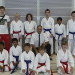 Team Junior Karate League mit Coach Robert, Schiedsrichter Oscar