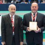 EM 2015 Ehrung WKF-Präsident Antonio Espinos